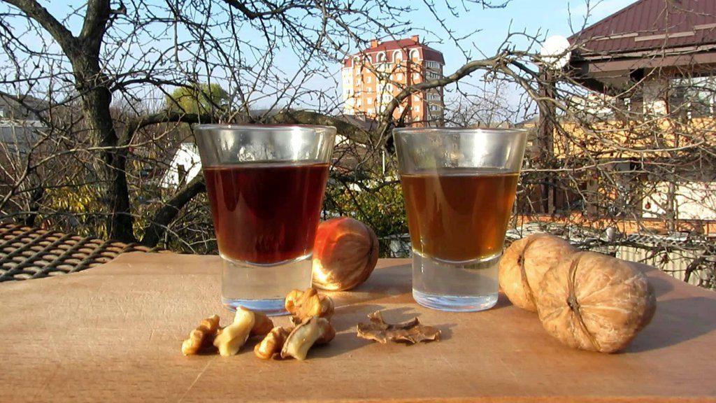 Польза от настойки грецких орехов