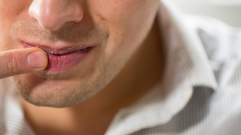 Солёный привкус во рту: причины, с чем это связано и что означает, особенности у женщин